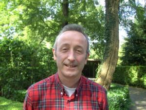 Dr.  Minnart Michel